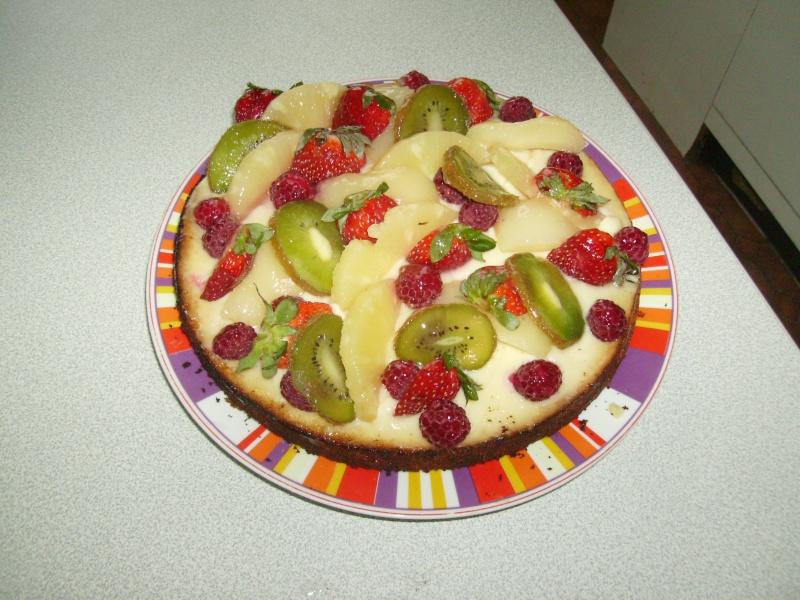 Tarte au fruits frais sur fond de genoise Imgp0115