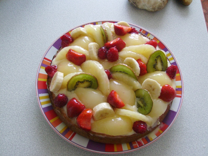 Tarte au fruits frais sur fond de genoise Imgp0120