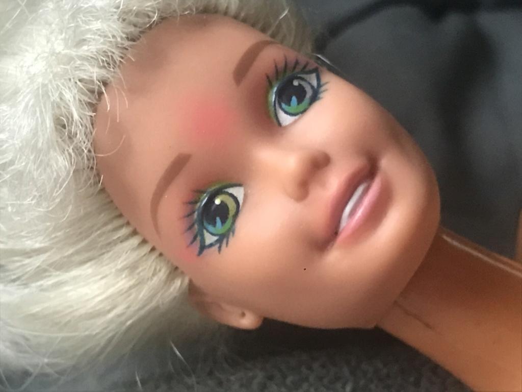 Qui est cette barbie ? 02820d10