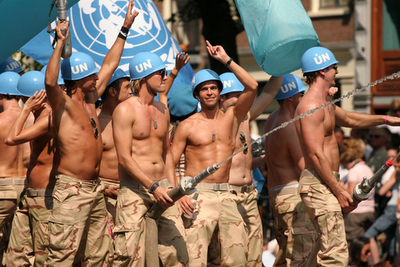Gays en el ejecito y la armada:Uru, Arg y USA Lem-ga10