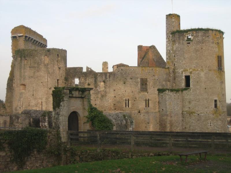 Le château de Fougères Img_4110
