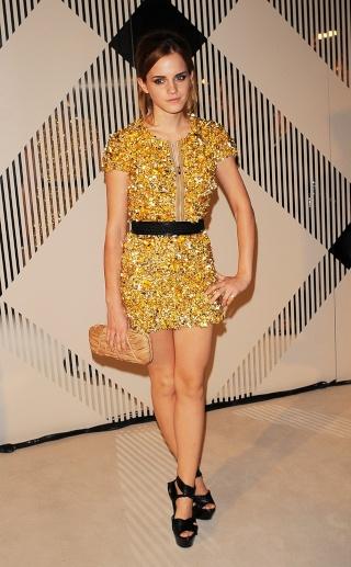 Top ou Flop d'Emma Watson lors du défilé Burberry 01_2110