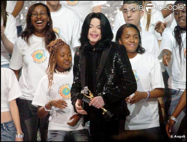 Michael avec des enfants 24405710