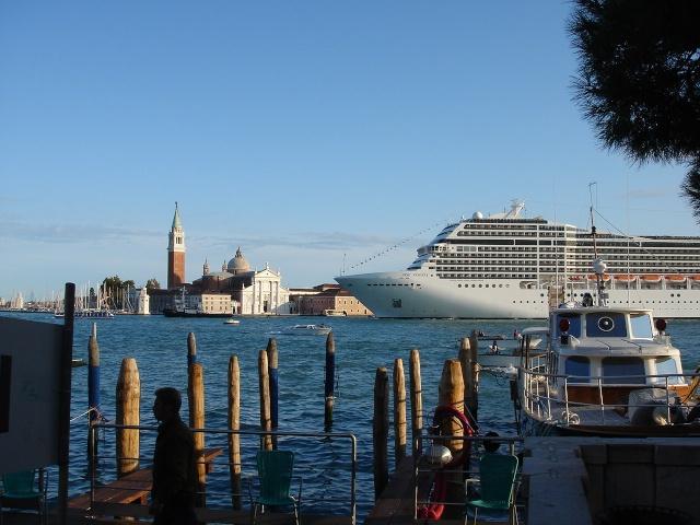 [scratch]1/72 - gondola veneziana... Dsc05412