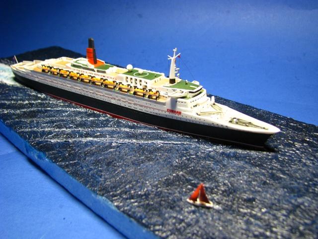 RMS Queen Elizabeth 2 [Revell 1/1200] Montag20