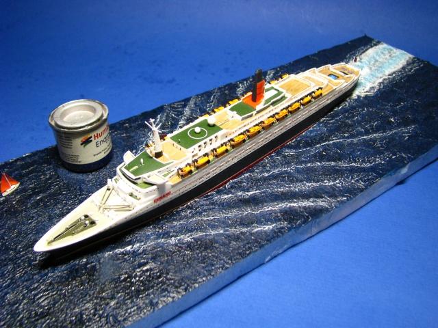 RMS Queen Elizabeth 2 [Revell 1/1200] Montag23