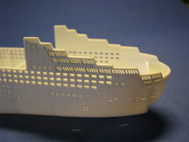 RMS QUEEN MARY 2  *Revell 1/1200* Qm2_0016