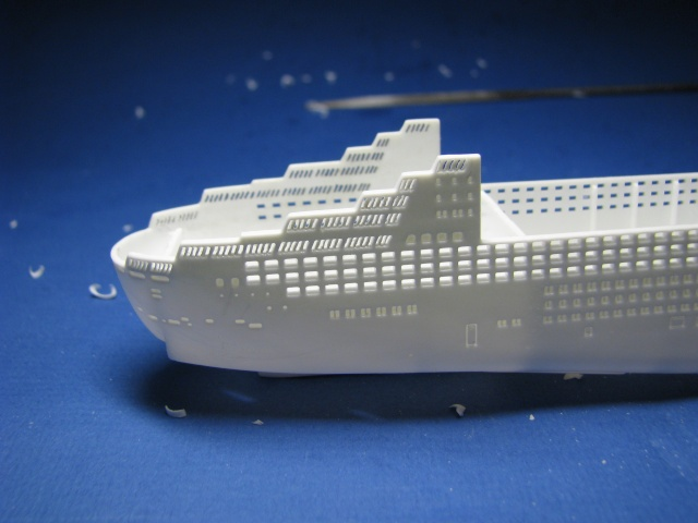 RMS QUEEN MARY 2  *Revell 1/1200* Qm2_0020