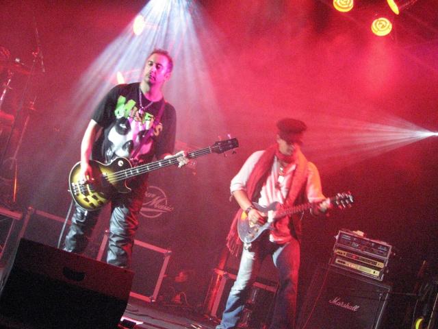 Tribute Guns N' Roses par Big Guns - Page 6 Photo_24