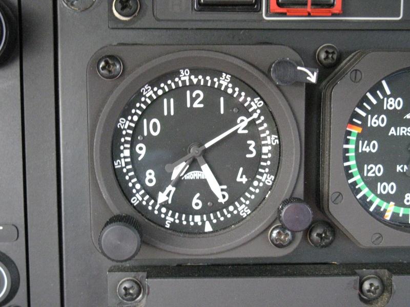 Montres de bord d'avion, sous-marin, tank, voiture, camion, bus ... - Page 2 Img_0111