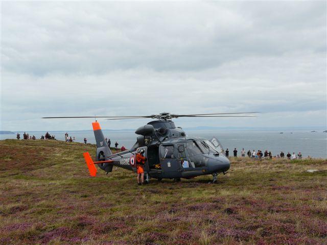 [ Aéronavale divers ] Hélicoptère DAUPHIN - Page 2 P1030414