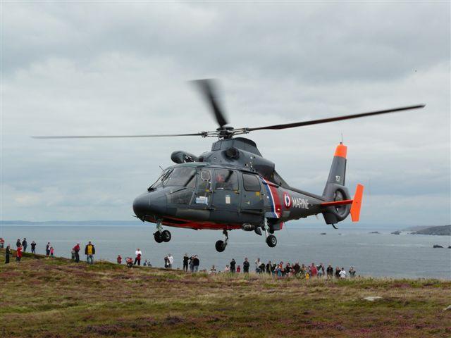 [ Aéronavale divers ] Hélicoptère DAUPHIN - Page 2 P1030417