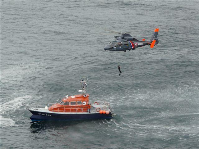 [ Aéronavale divers ] Hélicoptère DAUPHIN - Page 3 P1030421