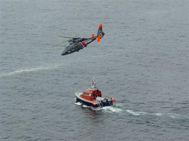 [ Aéronavale divers ] Hélicoptère DAUPHIN - Page 3 P1030426
