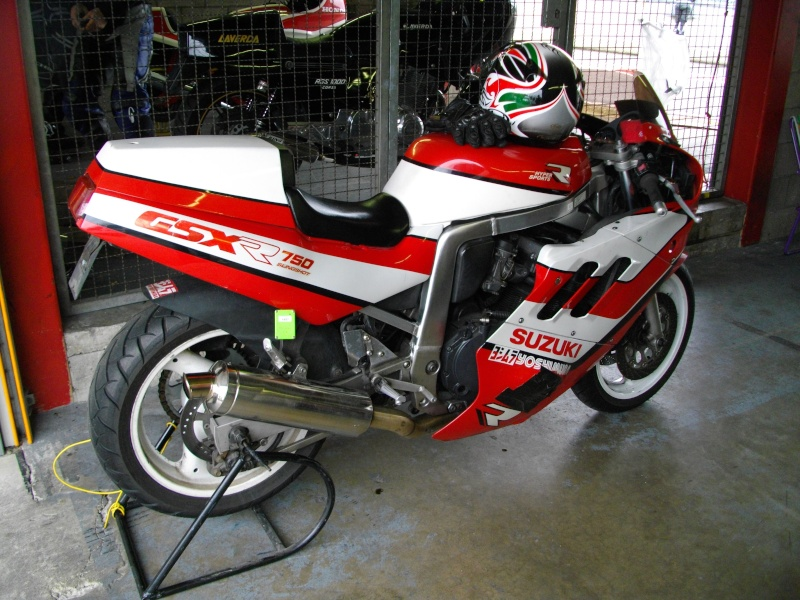 SPA Superbike Legend - Page 2 Imgp1023