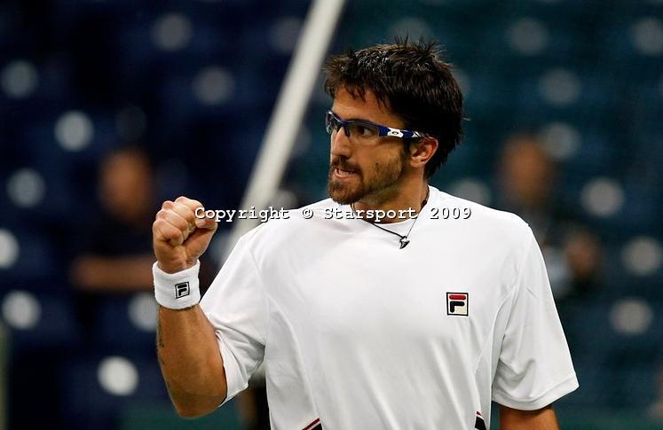 Davis    Cup - Page 2 Davis_11
