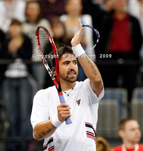Davis    Cup - Page 2 Davis_12