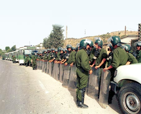 فرقة مكافحة الشغب Gendar11