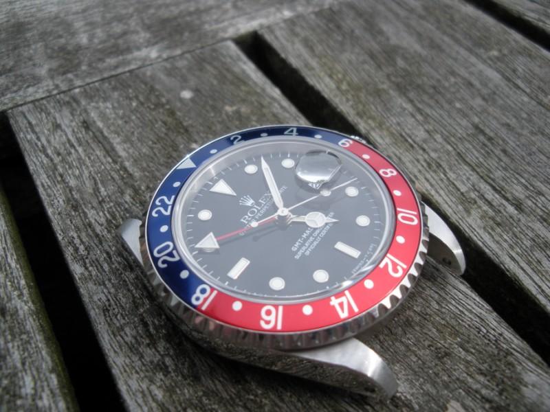 Aidez mon frère à trouver sa nouvelle montre. Dscn1710