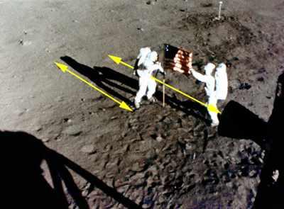 هبوط الانسان على القمر حقيقة ام اكذوبة؟ Raq110