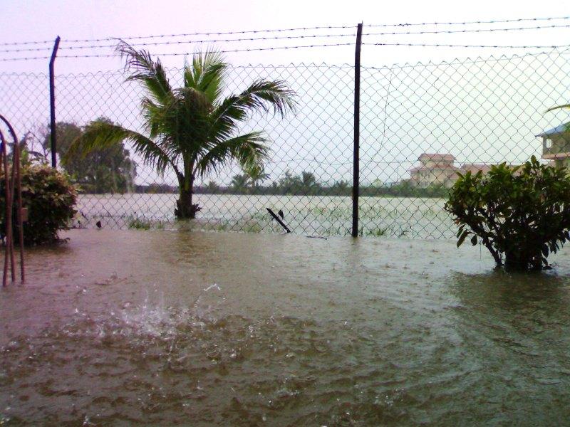 Gambar banjir di SMC -27feb08 27022010