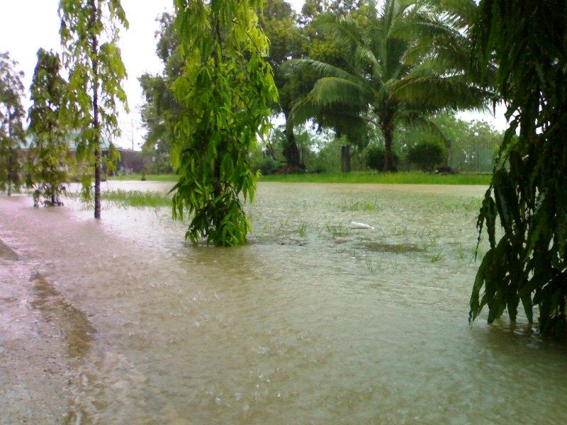 Gambar banjir di SMC -27feb08 27022011