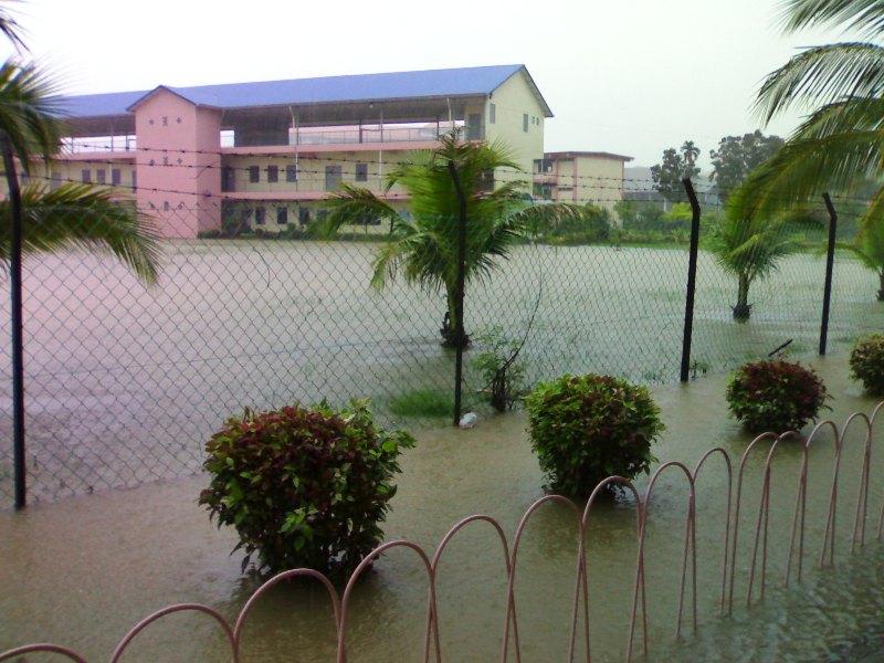 Gambar banjir di SMC -27feb08 27022012