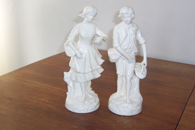 Titian Boy and Girl Figurines Manos111