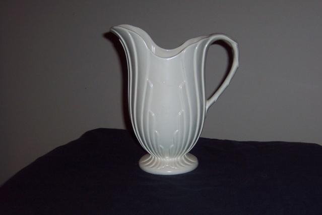 New Crown Lynn Shapes 622 Jug Vase New_sh10