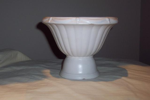 The Crown Lynn 673 Pedestal Urn New_sh25