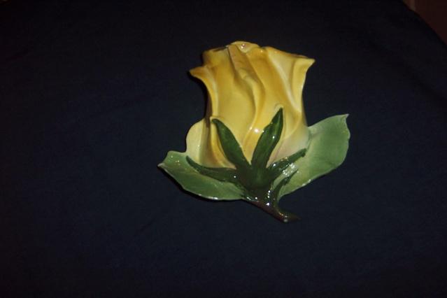 Unmarked Titian Rose Wallvase Rose_413