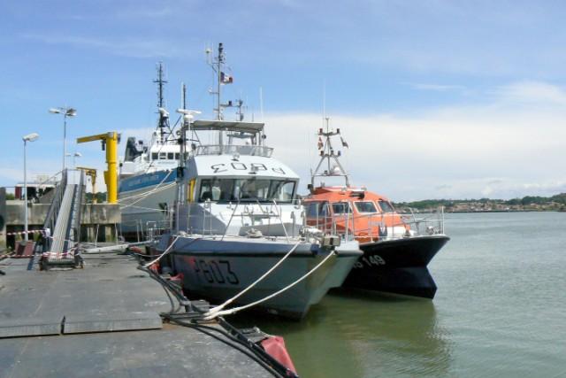 [VIE DES PORTS]  BAYONNE journée portes ouvertes de la base navale de l'Adour P1080642