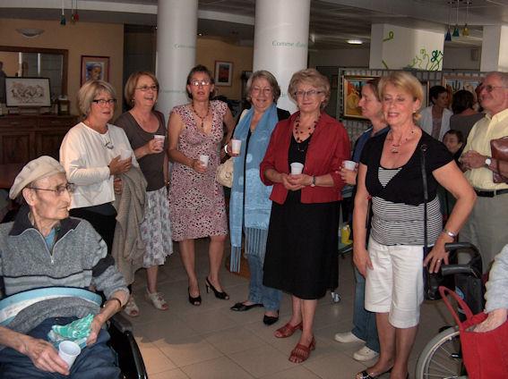 Vernissage à la maison de retraite de Gennes .... Hpim6011