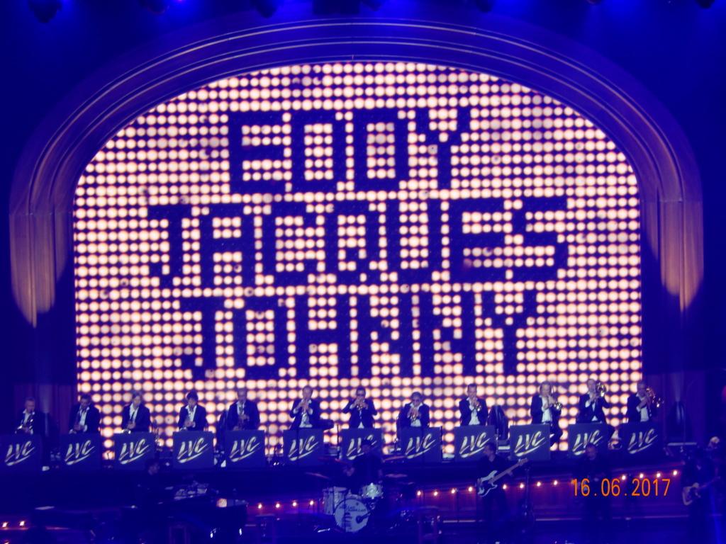Johnny un an déjà  Dscn1410