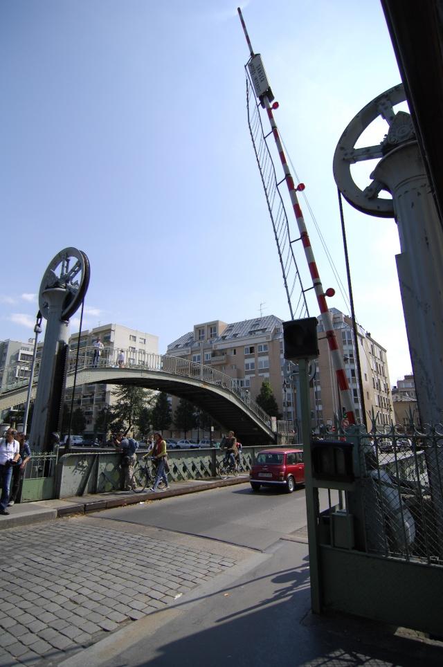 Canaux de Paris, sortie photos du 6 septembre 2009 Pont_l12
