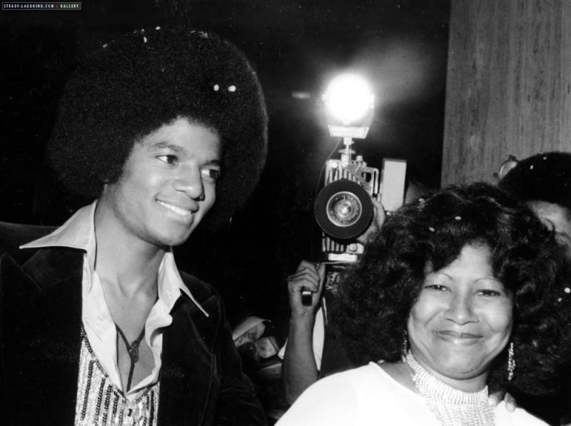 MJ con i genitori 111