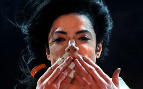 Immagini Michael Jacksons' Kiss - Pagina 8 210