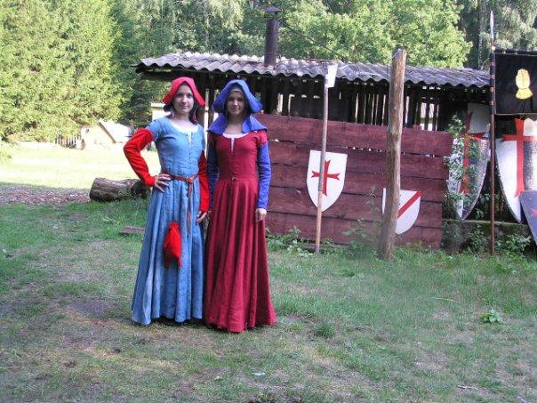 комплекты костюмов на наш период (жен) 1611