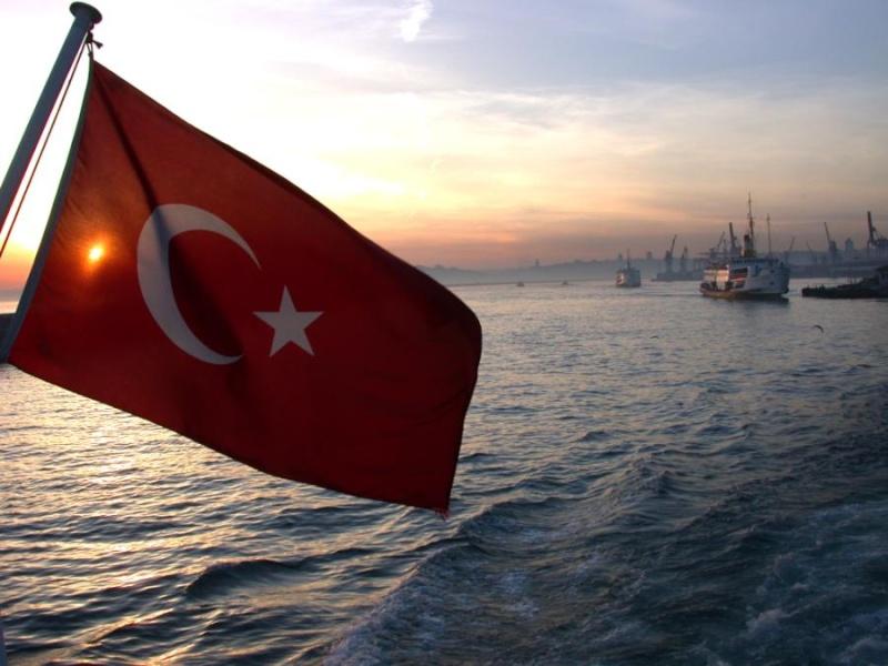 استانبول عاصمة الثقافة الاوربية Bayrak10