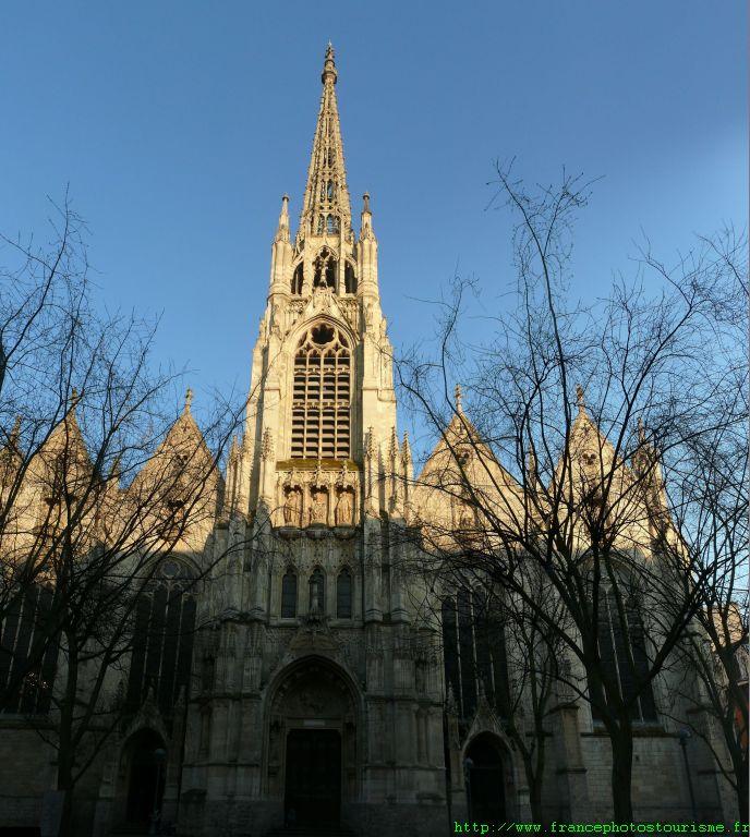 ... Je suis allée au musée des religions du monde Eglise11