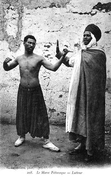 Les vieux métiers marocains... Lutteu10