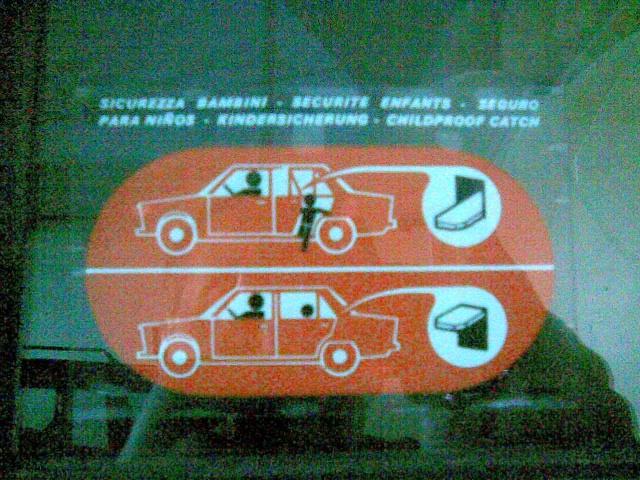 FIAT - Adesivo sicurezza bambini - Pagina 2 Immag011