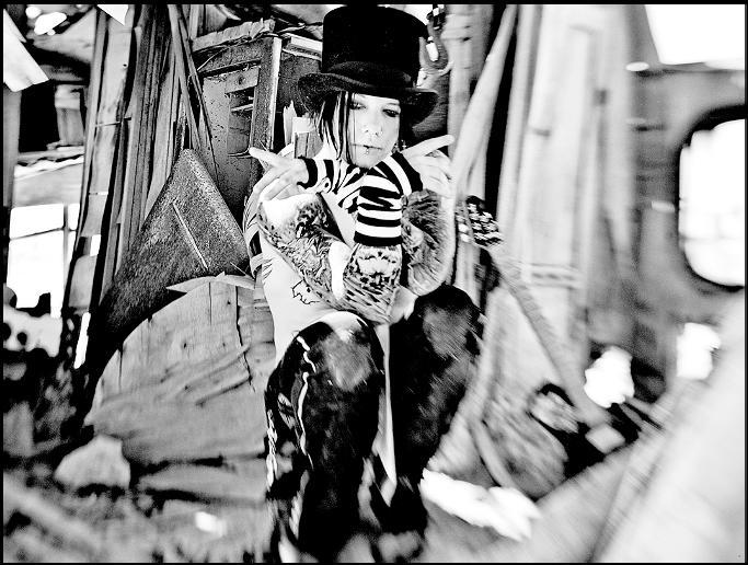[FOTOS] DJ Ashba (Si quieren poner fotos de Nicole...buenísimo :hihi:) - Página 2 Ashba310