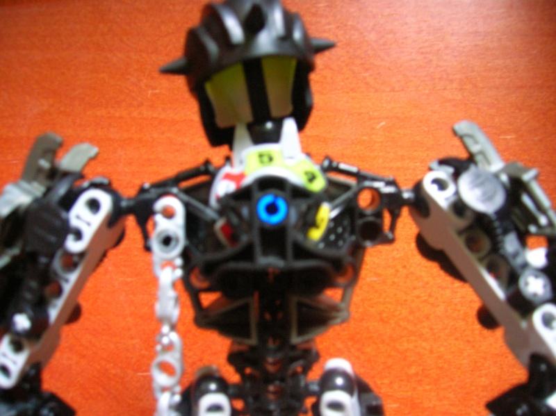 [MOC] Les droides assasins de Chronique de Bara-Magna. - Page 2 Dscn8314
