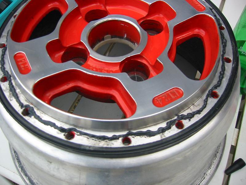 monte de pneus sur jantes mad'in - Page 2 Pls3310