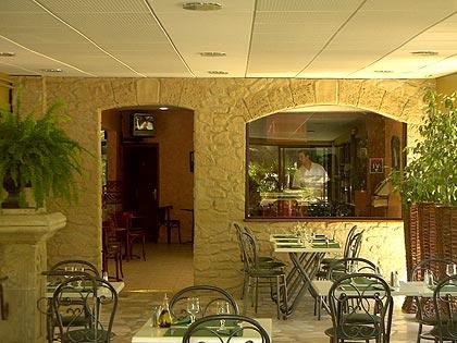 Décoration d'un vieux bar des années 60 pour en faire une salle de réception (nouvelles photos en première page) Decora12