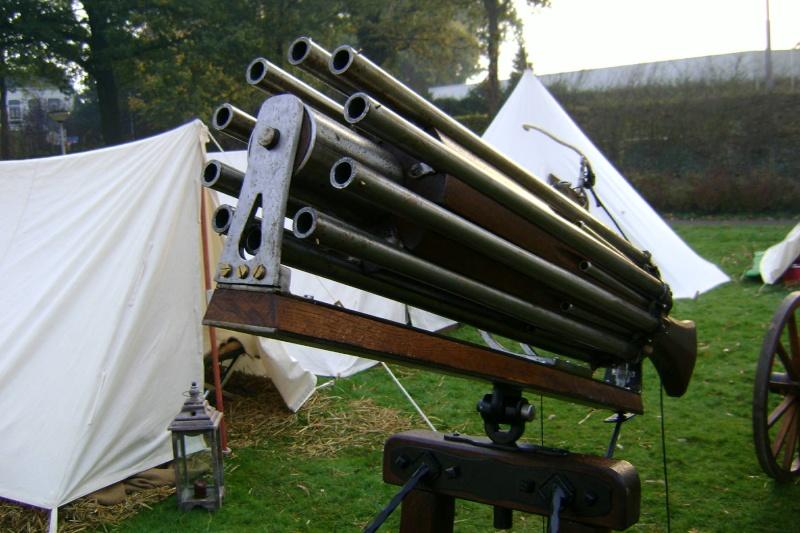 Reconstitution d'un canon multitubes. Dsc00011