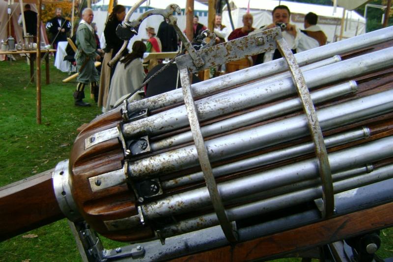 Reconstitution d'un canon multitubes. Dsc00012