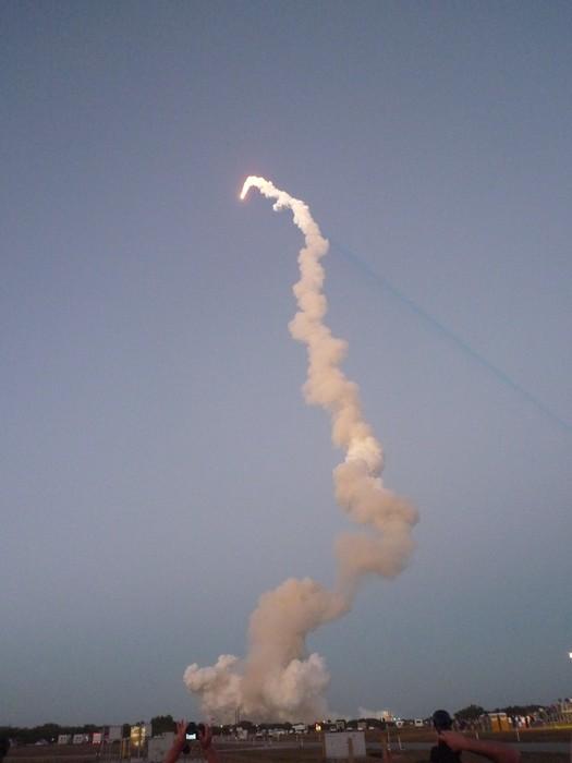 [STS-119] Discovery : suivi du lancement (15/03/2009) - Page 11 P1010112