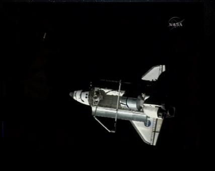 [STS-128: Discovery] suivi de la mission. - Page 7 Discov12